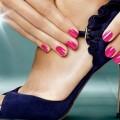 Лак для ногтей – украшение женских пальчиков