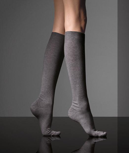Носки, гольфы женские, гетры из коллекции MaxMara