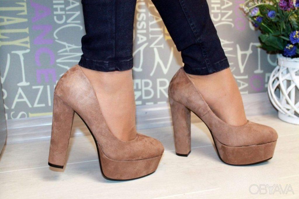 Модная стильная обувь для девушек