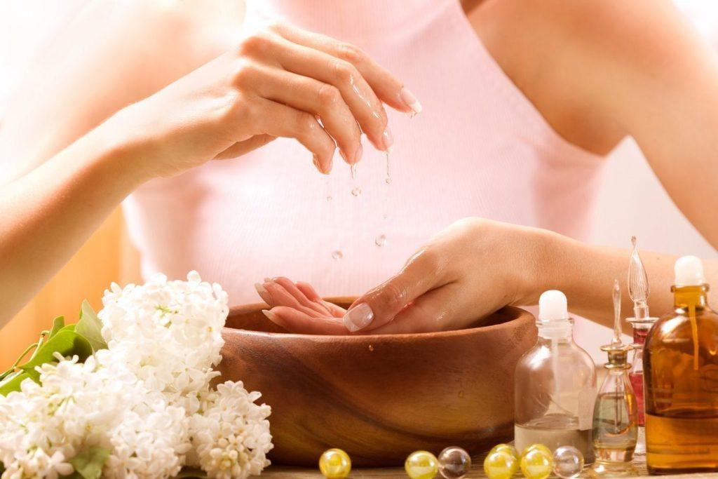 Народные рецепты красоты: витамин Е для ухода за ногтями