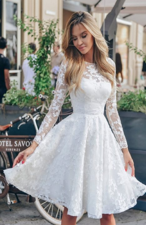 Кружевное белое платье: советы модницам