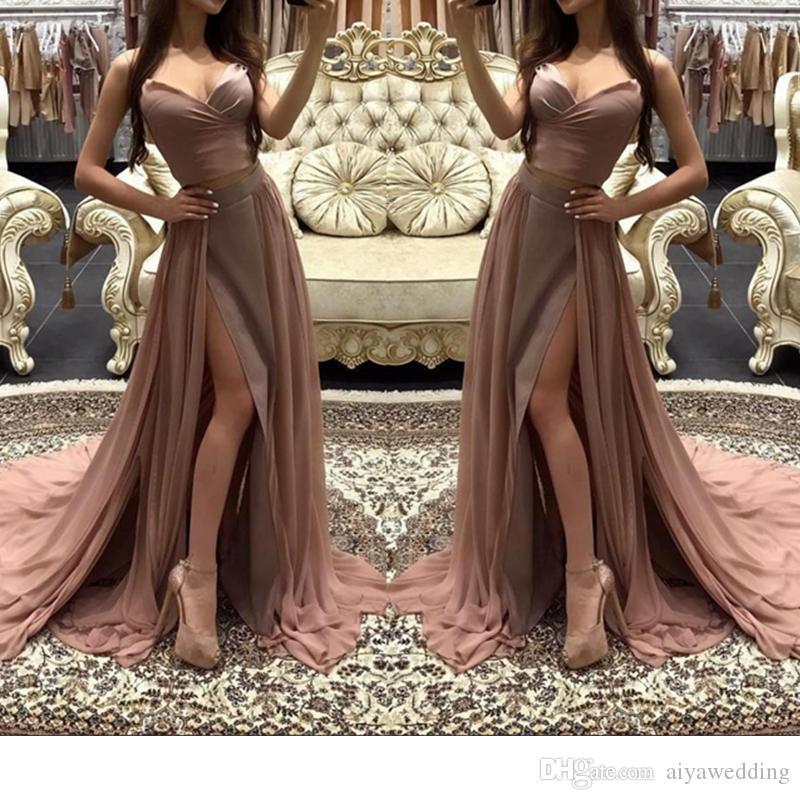 Подбираем аксессуары к коричневому платью