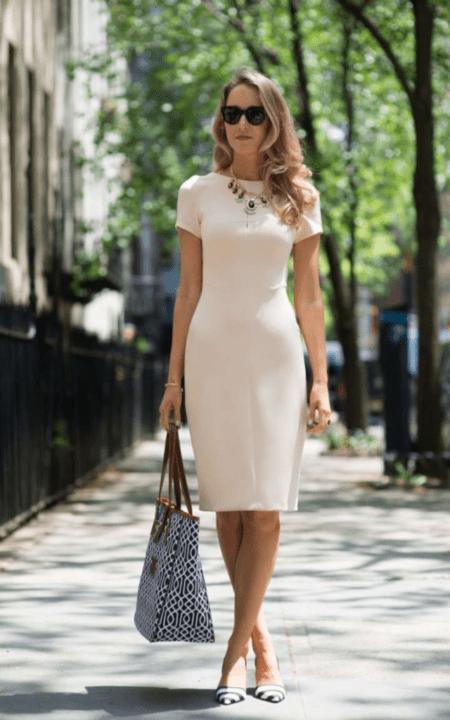 Платье футляр 2021 года – в моде форма песочных часов