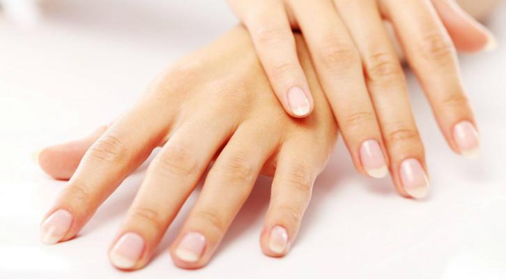 Витамин Е при уходе за ногтями