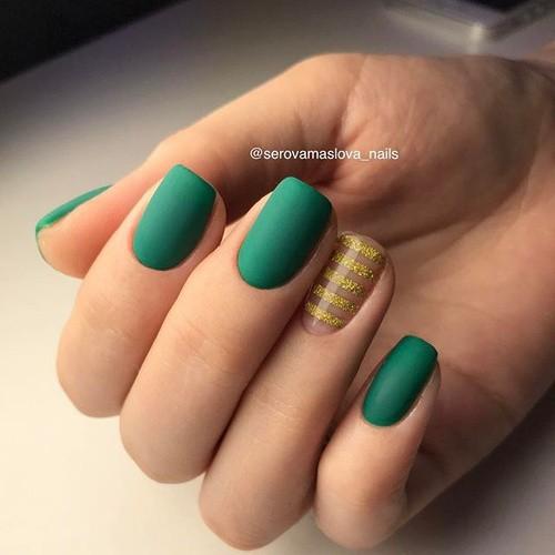 Ногти бутылочно-зеленого цвета - самые красивые дизайны и вдохновения для маникюра