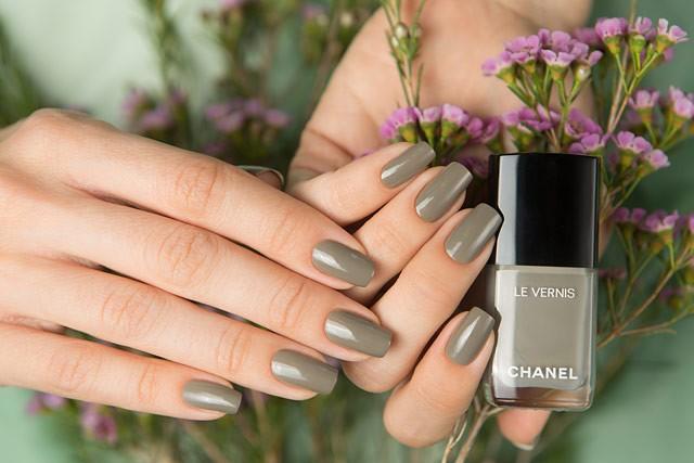 Модные тенденции маникюра – новые оттенки от Шанель